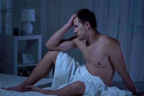 tipul pierde o erecție înainte de actul sexual penisul lui este umflat